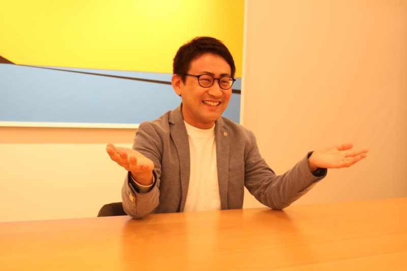 インタビュー中の清水貴裕の写真3