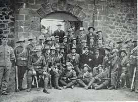 Boers outside High Knoll Fort