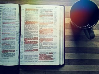 bible_coffee_reading_drink_book_table_wooden_christian-984801