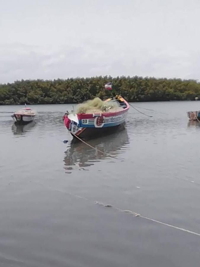 vissersboot Gunjur Gambia