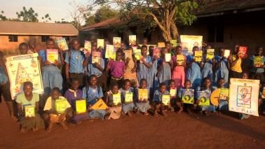 Blije leerlingen Buwagama lagere school
