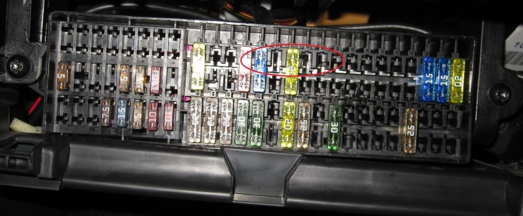 inside view fuse box   20 wiring diagram images
