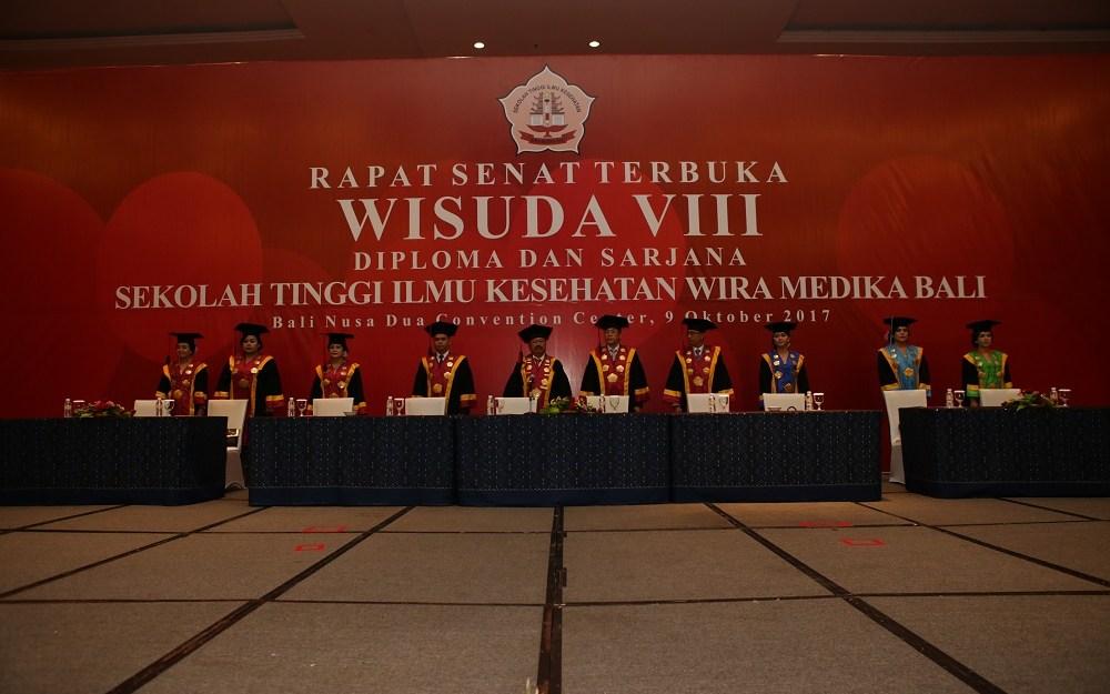Wisuda VIII STIKes Wira Medika Bali