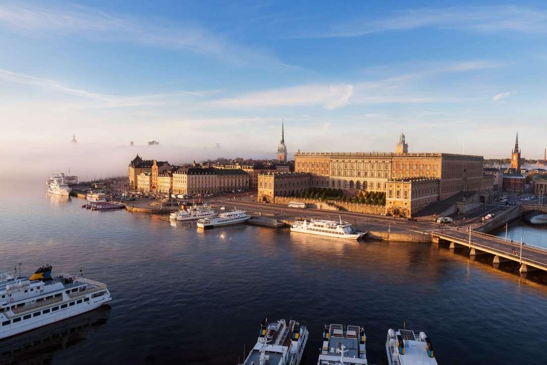 Stockholm slott båter på havnen