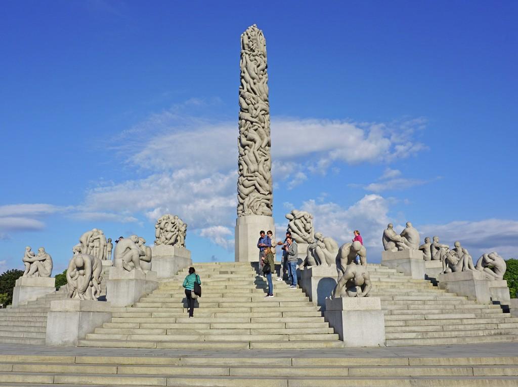 Monolitten i Frognerparken er en av Norges mest besøkte og fotograferte severdigheter.