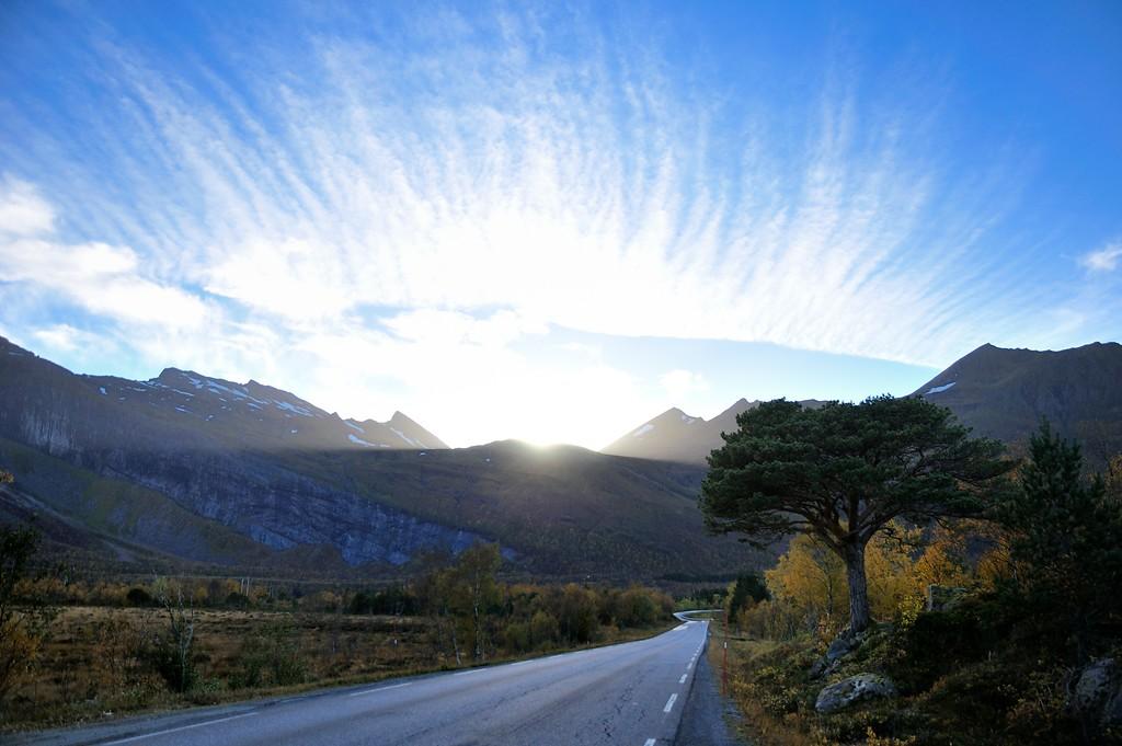 Vei Nord-Norge sol skyformasjoner