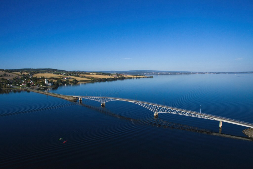Bro på Mjøsa til Helgøya