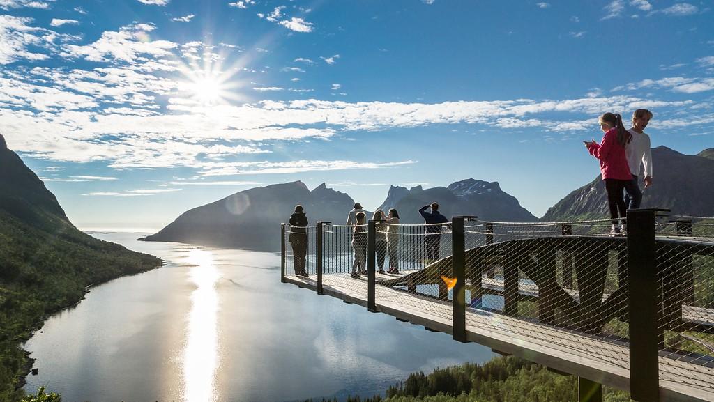 Bergsbotn utsiktsplattform på Nasjonal turistveg Senja. Arkitekt: Code arkitektur as. ©Foto: Trine Kanter Zerwekh / Statens vegvesen