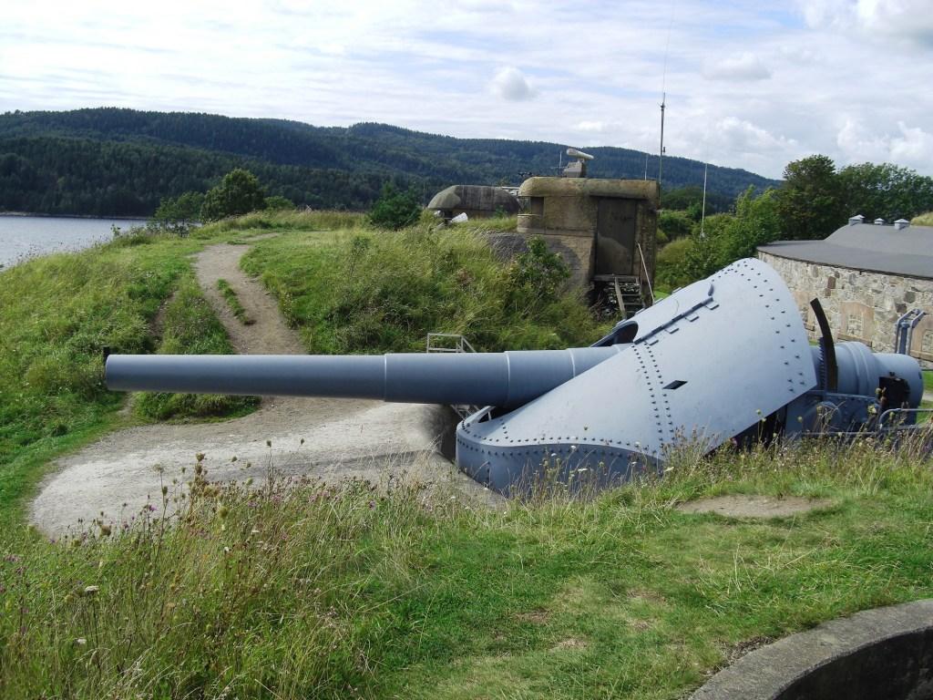 Kanonstilling på Oscarsborg i Oslofjorden
