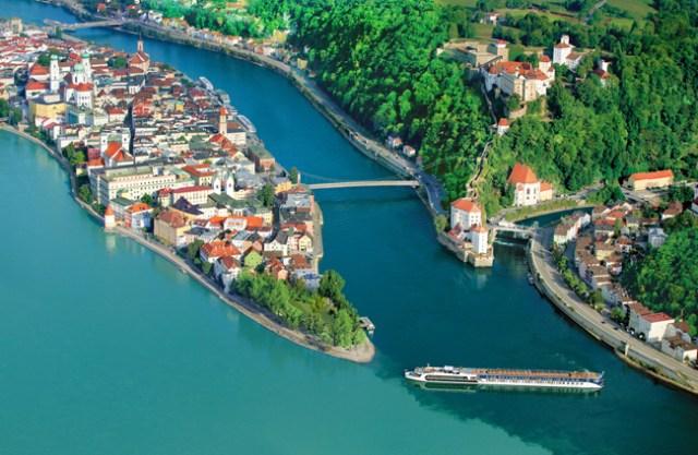 Dunav u mestu Pasao, Nemačka / Danube in Passau, Germany