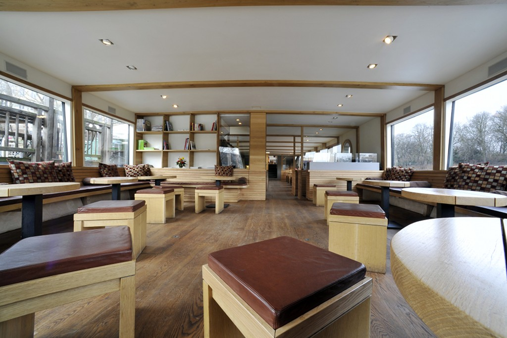 Stil-Stengel Raumgestaltung, Sitzelemente und Kissen Restaurantschiff Van Loon, Berlin