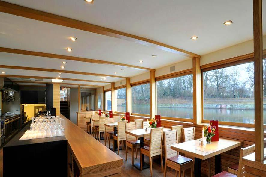 Stil-Stengel Raumgestaltung, Sitzelemente, Restaurantschiff Van Loon, Berlin