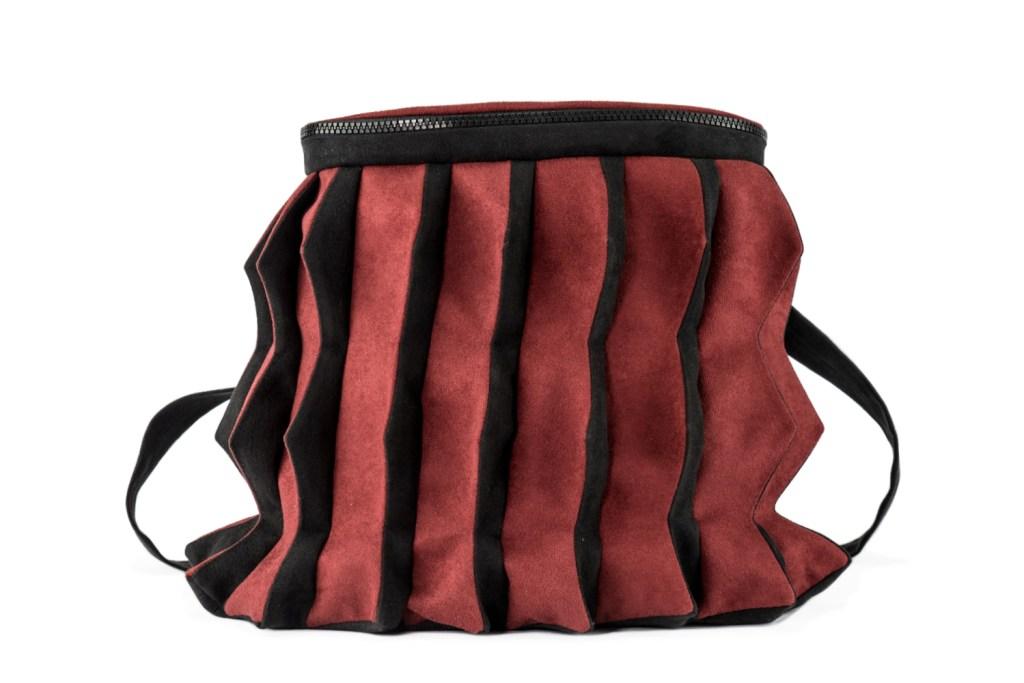 Stil-Stengel Textilkunst Tasche PUNK rot schwarz