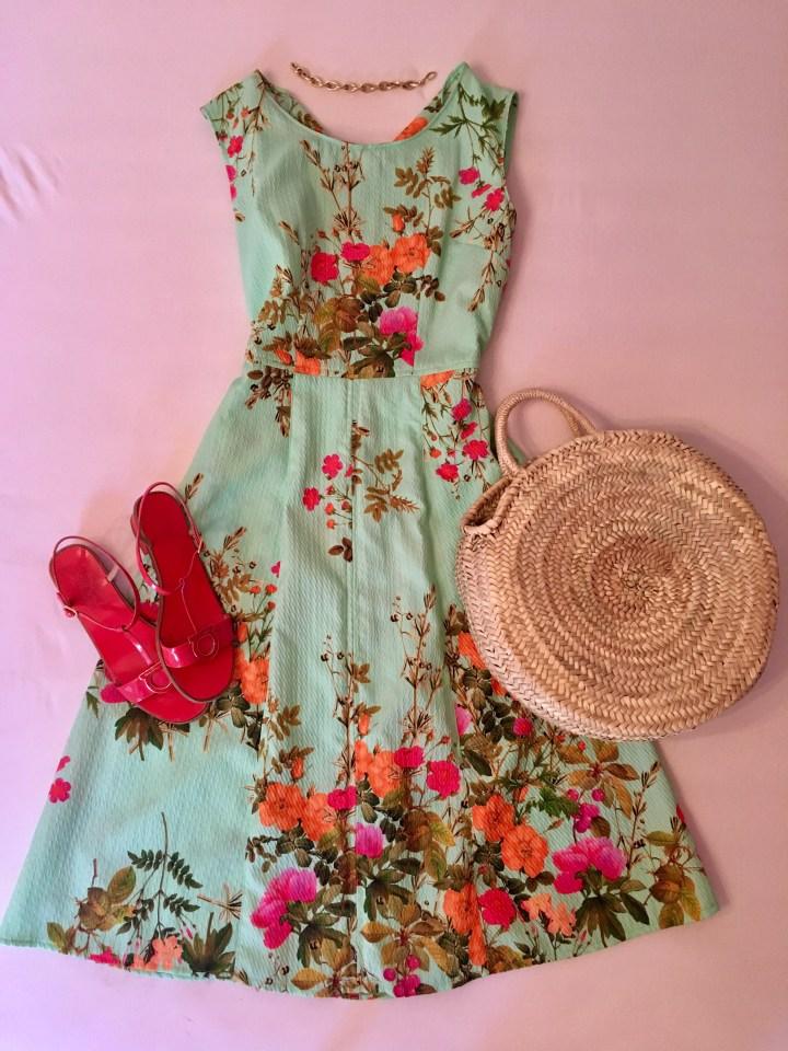 Sommerkleider kombinieren geblümtes Kleid