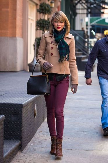 Taylor Swift seen after shopping at the 'Steven Alan' store in Tribeca Featuring: Taylor Swift Where: New York City, New York, United States When: 27 Mar 2014 Credit: WENN.com