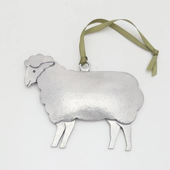gepersonaliseerde bijenkorf schapen ornament door BeehiveHandmadeLLC