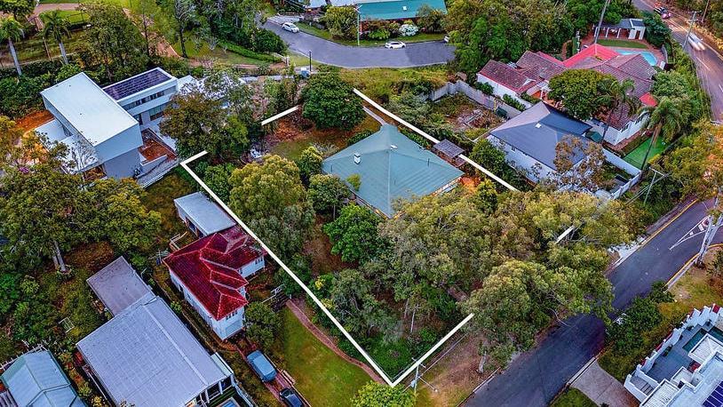 Hete veiling: huis in Brisbane wordt verkocht voor $ 4,5 miljoen – $ 750k boven de reserve