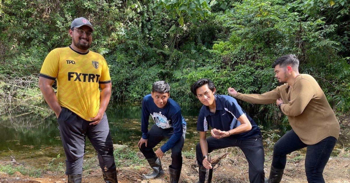 M'sia heeft geen gebrek aan ananasproducten, maar deze jongens hebben grotere ambities dan concurreren