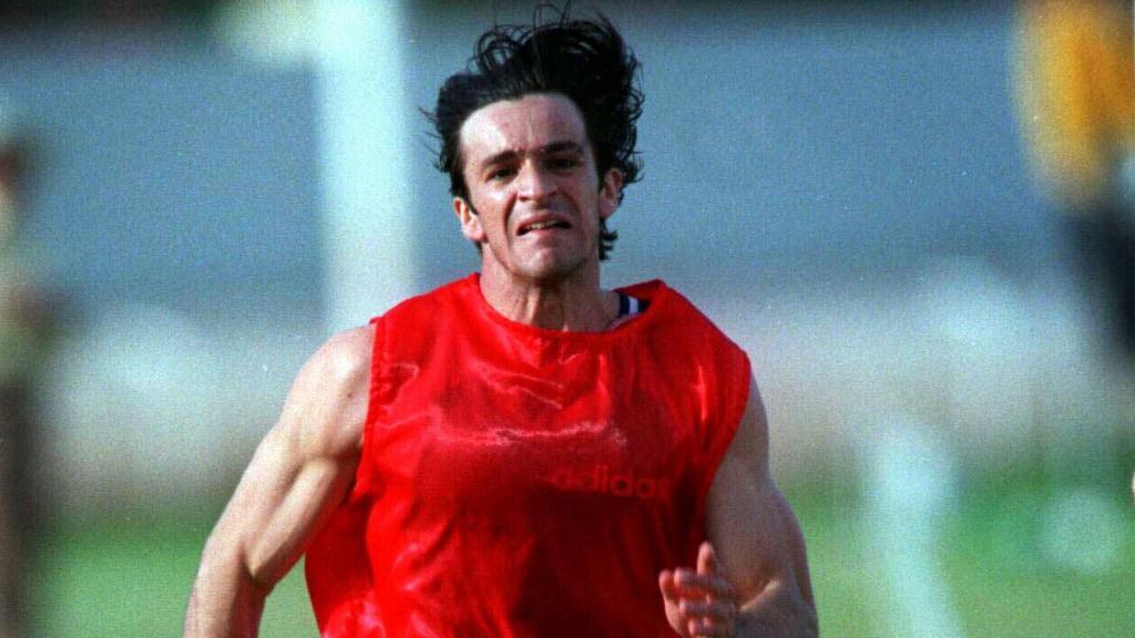 Voormalig Olympisch sprinter Dean Capobianco vermeldt Clovelly thuis
