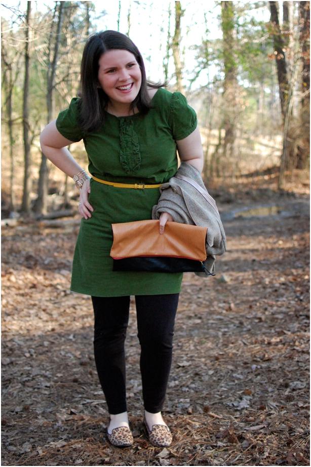 still being molly - maternity style: green ruffle dress, black leggings, blazer, leopard flats