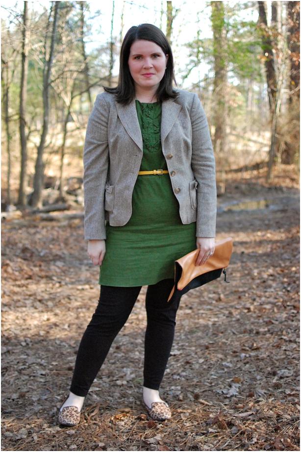 still being molly - maternity style: green ruffle dress, black leggings, tweed blazer, leopard flats