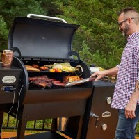 Four Useful Tips for Choosing a Pellet Grill