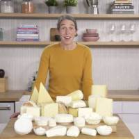 How to Properly Cut and Serve Various Type of Cheeses