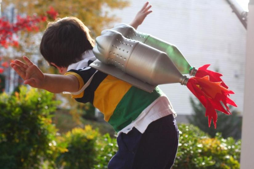 Crafts for boys: jetpack