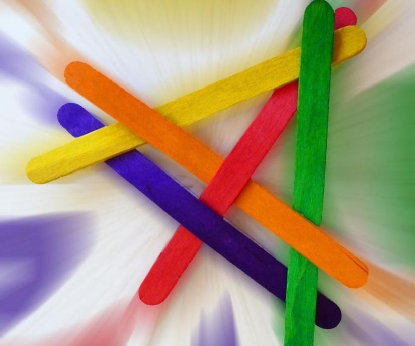 Craft Sticks: Exploding Boomerang