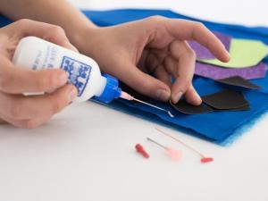Embroidery Kits Glue