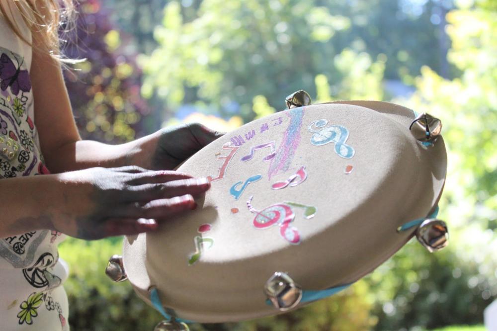 Paper Plate Craft Tambourine & paper-plate-craft-tambourine - No More Still