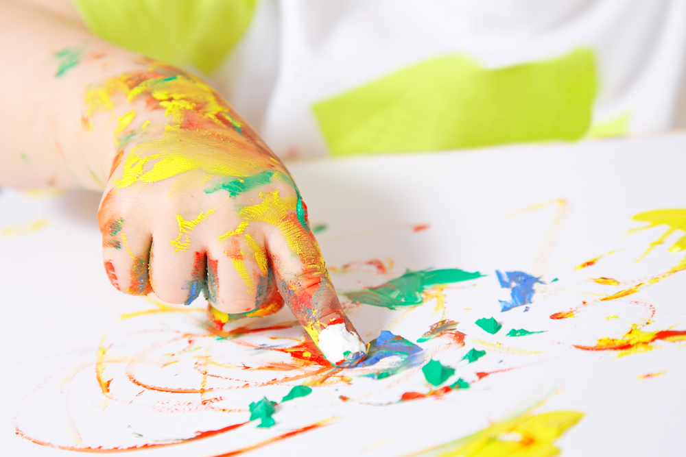 Have Quality Time with Your Kids by Doing These 20 Craft Paint Projects
