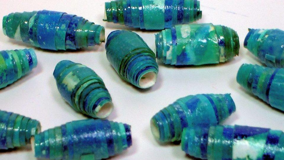 Summer Craft Newspaper Beads