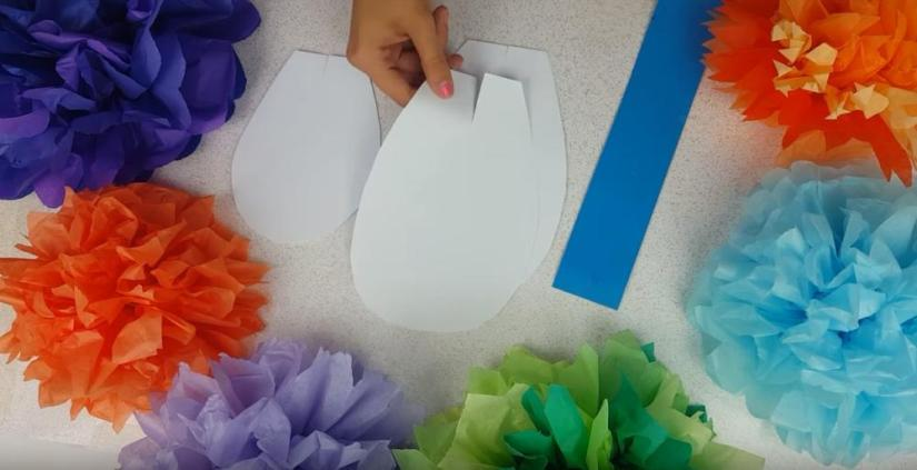 How to Make Giant Paper Flowers Petal