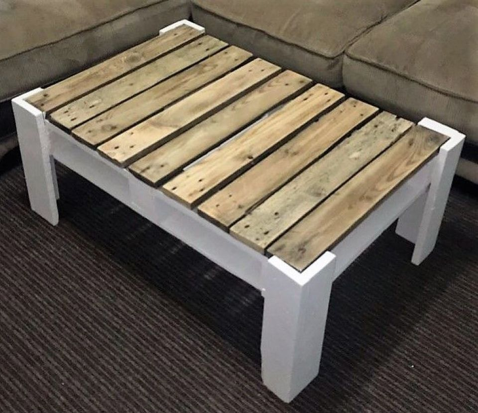 DIY Pallet Another Coffee Table