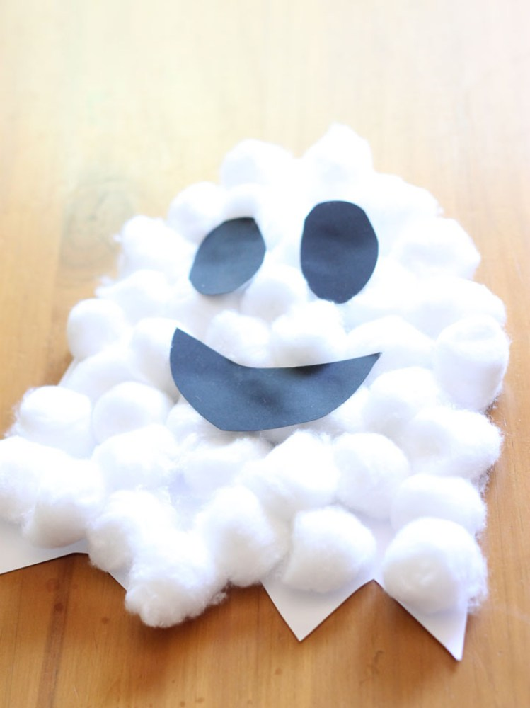 Holiday Crafts for Kids Ghost