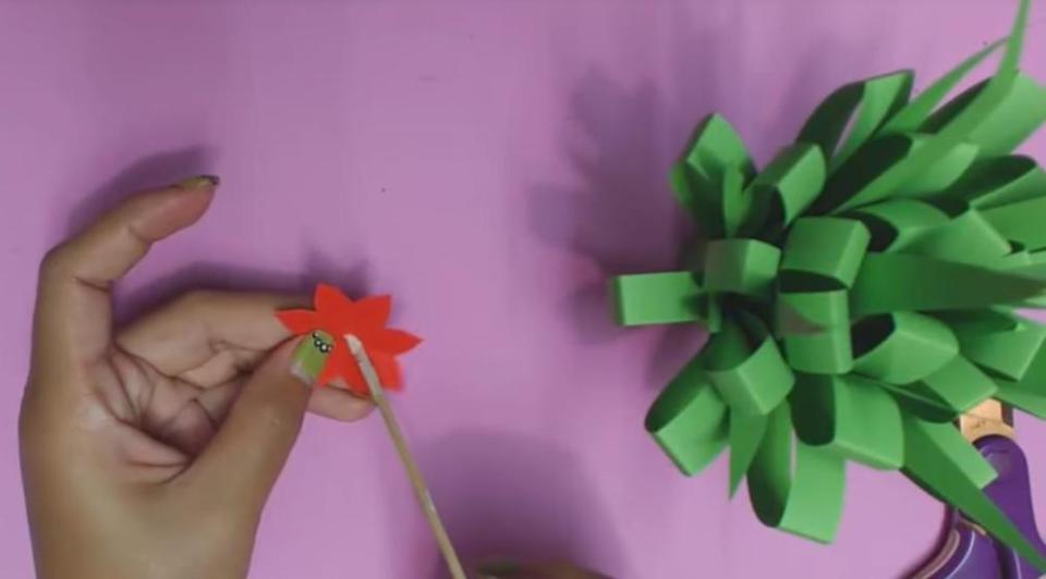 Paper Flowers for Kids Shaping Flower
