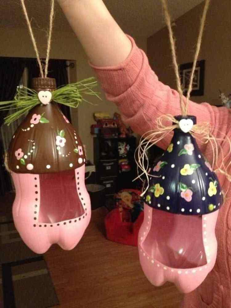 Crafts for Bottles Bird Feeder