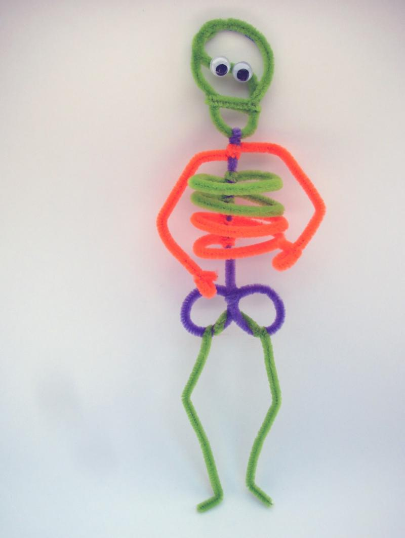 halloween arts and crafts with pipe cleaners