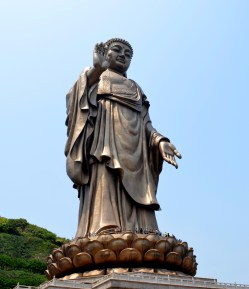 This statue stands at 88 metres high, is a bronze Sakyamuni standing Buddha outdoor, weighing over 700 tons. It was completed in the end of 1996.