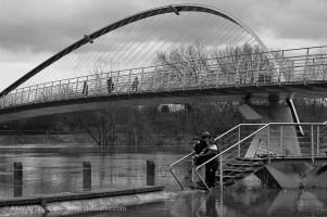 Millennium Bridge - monochrome