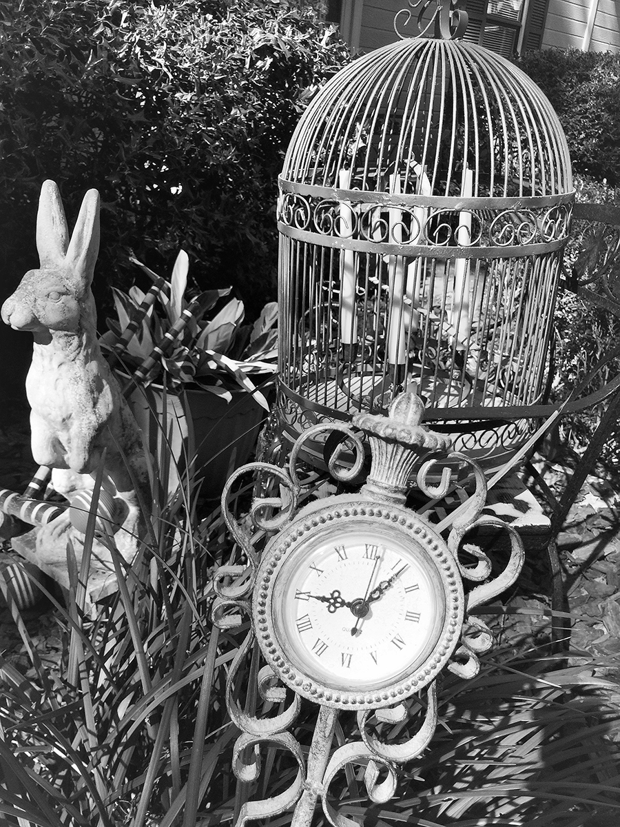 The white rabbit statue in black and white