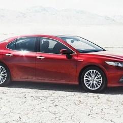All New Toyota Camry India Grand Avanza Vs Veloz Bound 2018 Revealed Cardekho Com Hybrid