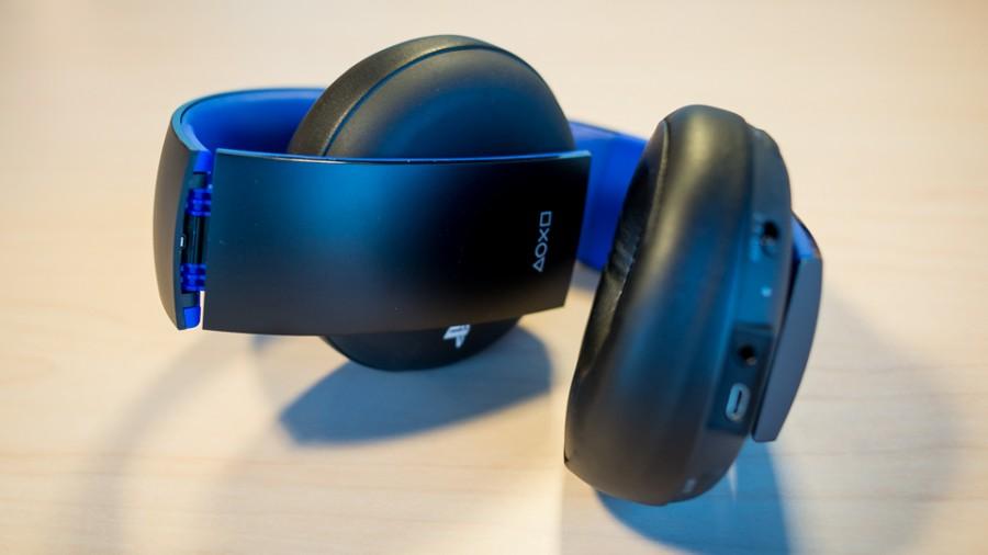 PS4 Gold Headset Stimulated Boredom 2