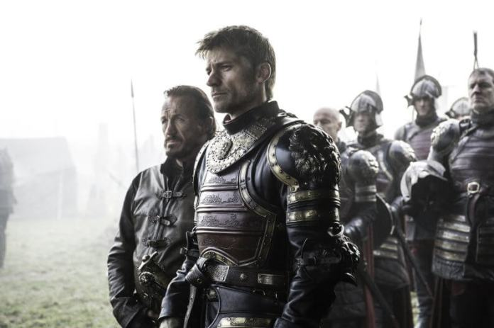 Jaime stands outside the castle at Riverrun in episode 7, the broken man.