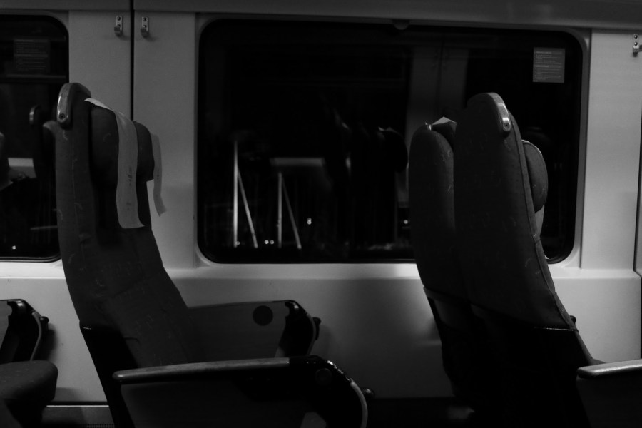 Jeg har testa nattog for første gang, men syns NSB kunne vært litt mer som Fnattbussen.