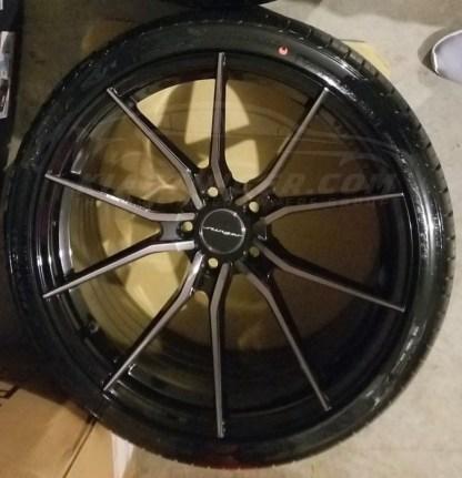 stinger wheel center caps large