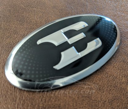 kia stinger e steering wheel emblem
