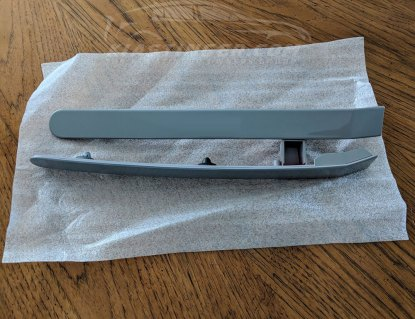 body color side reflectors for the kia stinger