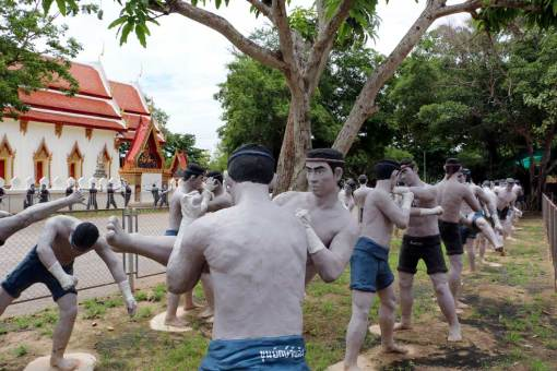 Muay Thai sculptures, Wat Bang Koong. Floating markets Amphawa vs Damnoen Saduak